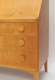 Maple bureau detail