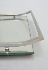 Mirrored tray detail
