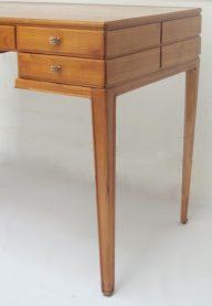Ulrich desk detail